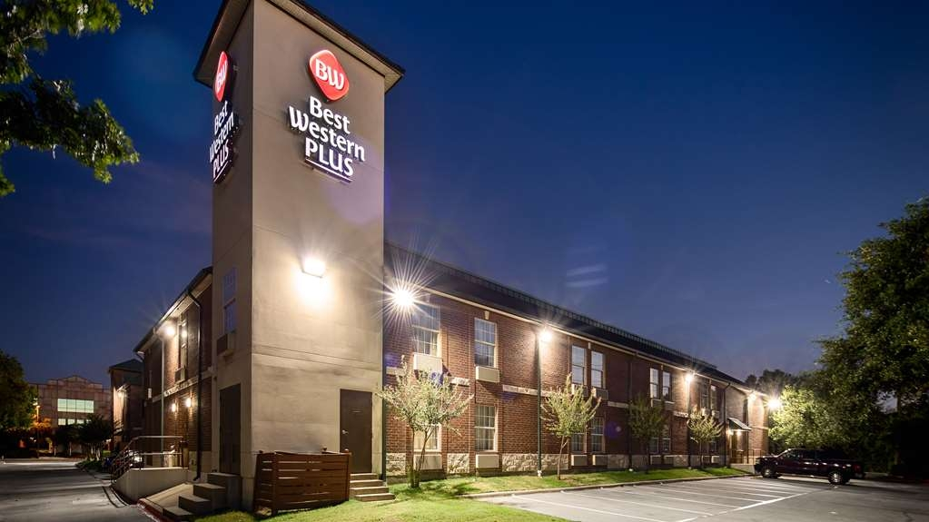Best Western Plus Addison/Dallas Hotel - Außenansicht