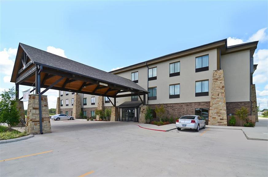 Best Western Plus Emory at Lake Fork Inn & Suites - Außenansicht des Hotels
