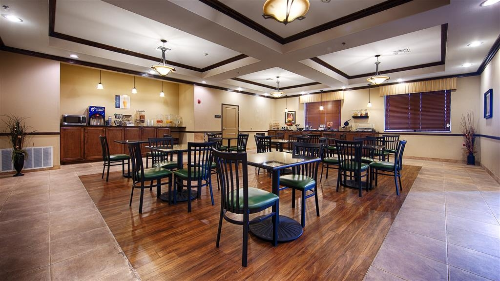 Best Western Plus Emory at Lake Fork Inn & Suites - Restaurant / Gastronomie