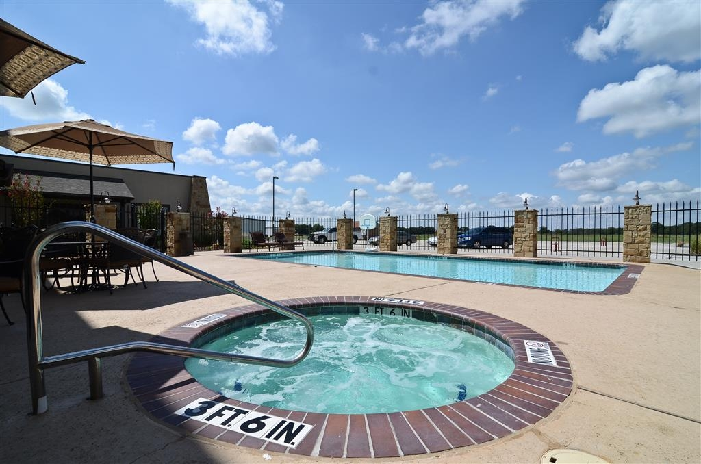 Best Western Plus Emory at Lake Fork Inn & Suites - Whirlpool