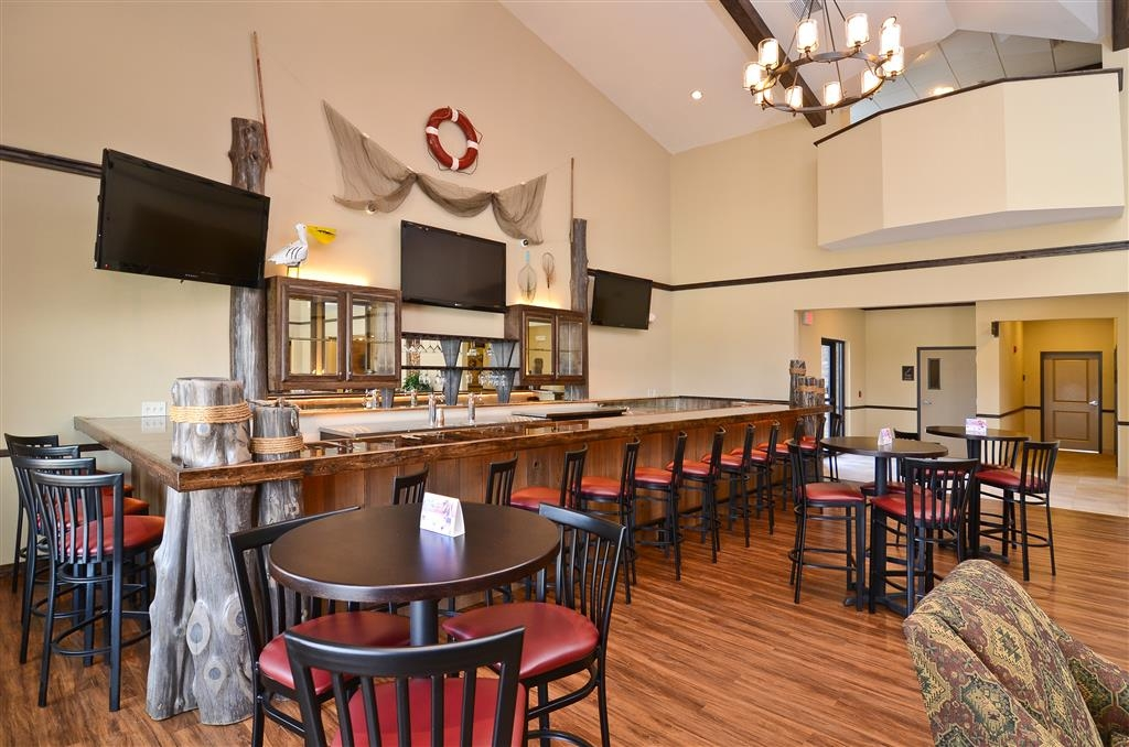 Best Western Plus Emory at Lake Fork Inn & Suites - Hotellounge