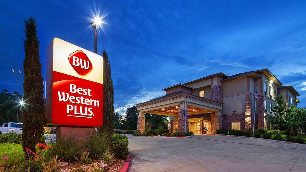 Best Western Plus Goliad Inn & Suites - Vue extérieure