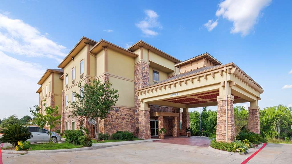 Best Western Plus Goliad Inn & Suites - Façade