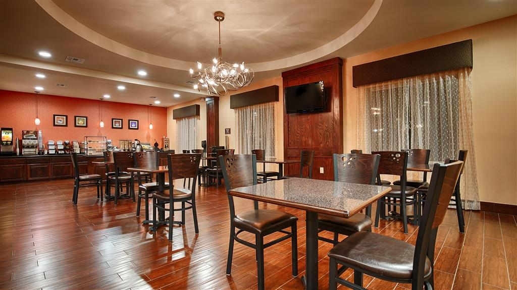 Best Western Plus Goliad Inn & Suites - We offer a variety of menu options to begin your day.