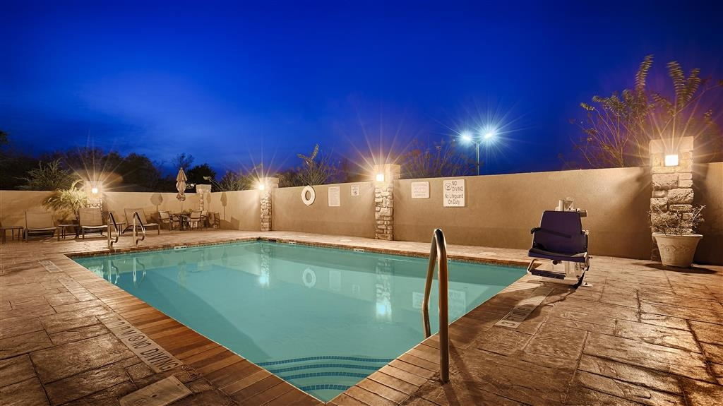 Best Western Plus Goliad Inn & Suites - Swimmingpool