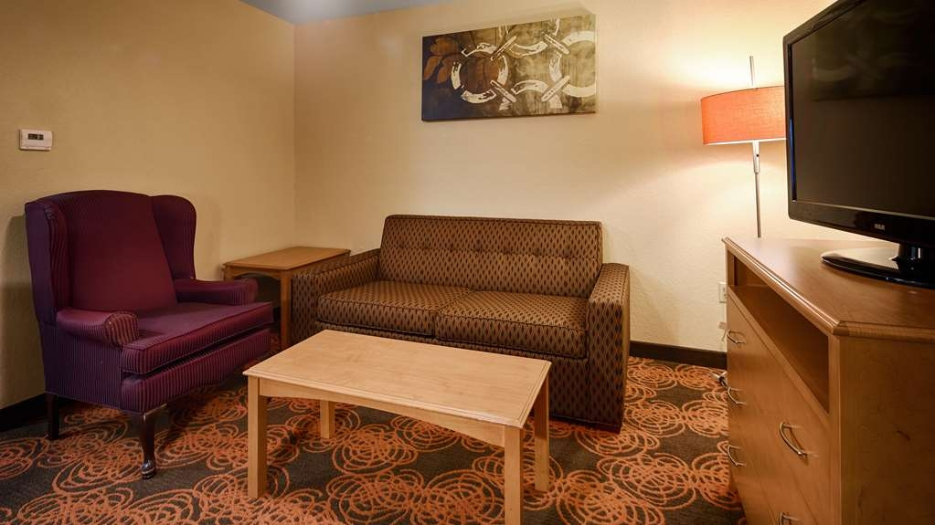 Best Western Plus Waco North - lobby