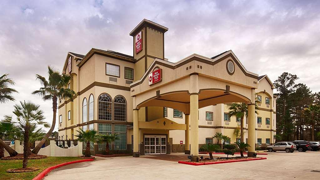 Best Western Plus New Caney Inn & Suites - Area esterna