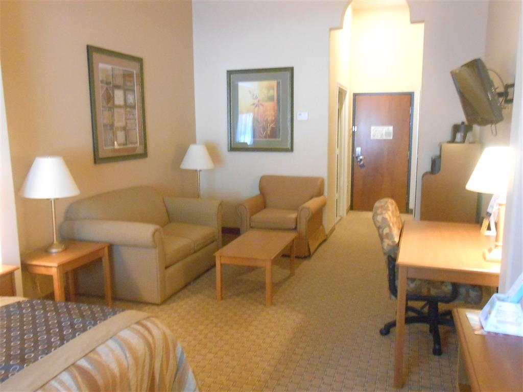 Best Western Plus New Caney Inn & Suites - Suite king size