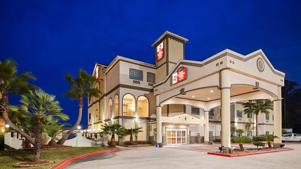 Best Western Plus New Caney Inn & Suites - Facciata dell'albergo
