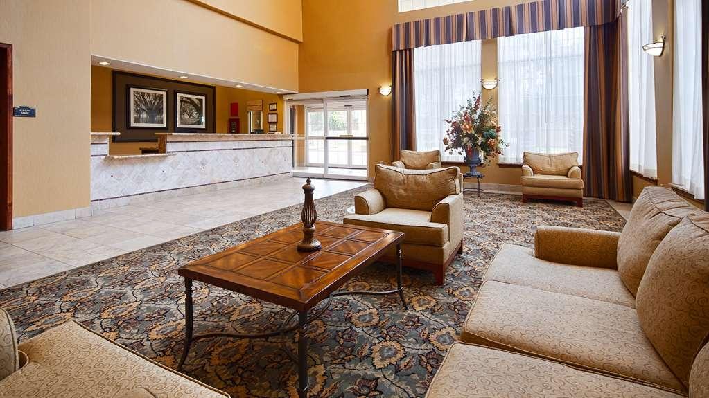 Best Western Plus New Caney Inn & Suites - Vista del vestíbulo