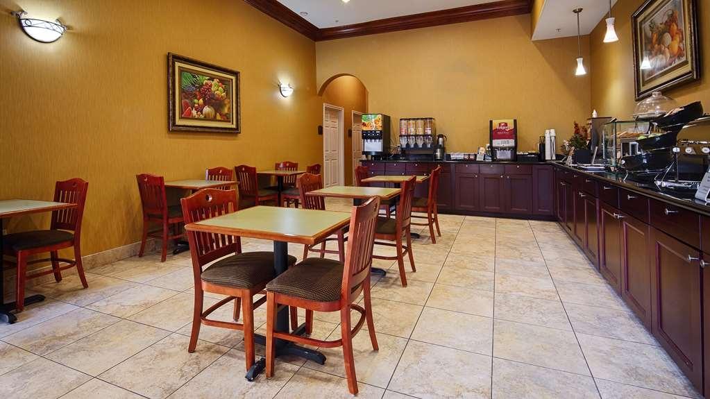 Best Western Plus New Caney Inn & Suites - Le petit déjeuner buffet