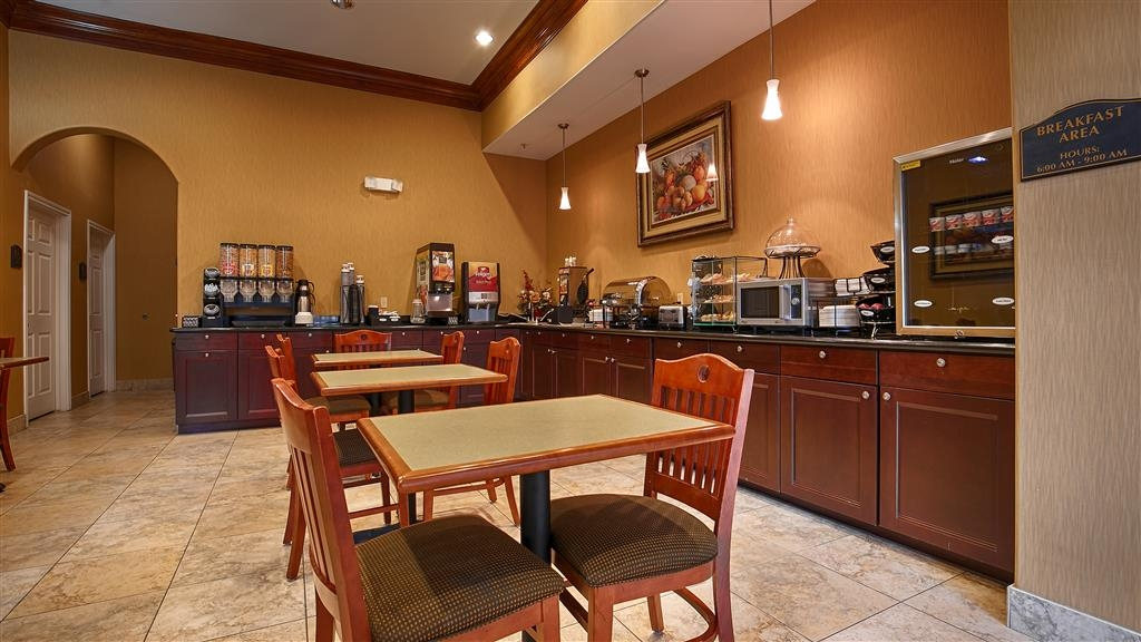 Best Western Plus New Caney Inn & Suites - Zona de desayunos
