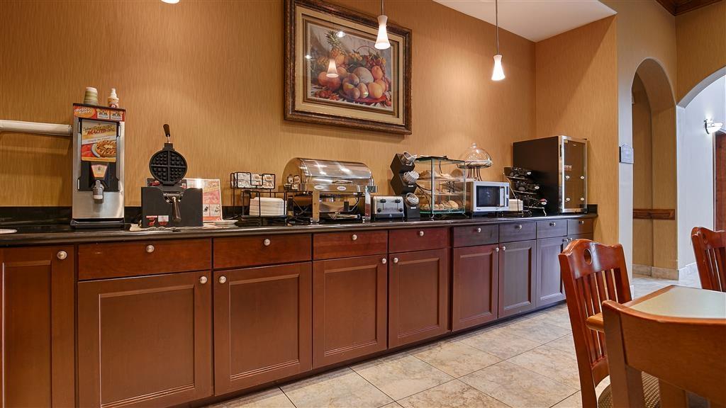 Best Western Plus New Caney Inn & Suites - Bar de petit déjeuner