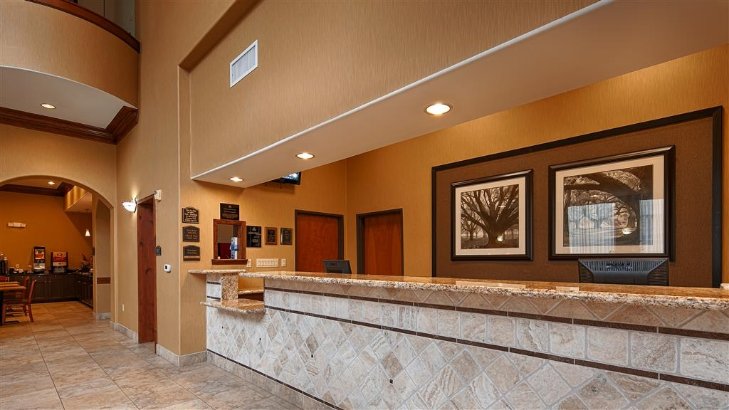 Best Western Plus New Caney Inn & Suites - Reception