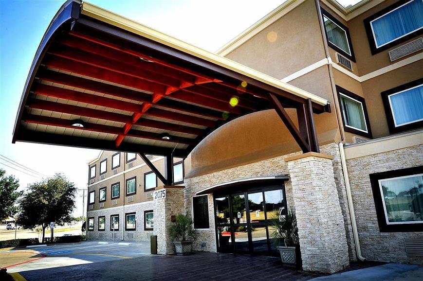 Best Western Plus Arlington North Hotel & Suites - Area esterna