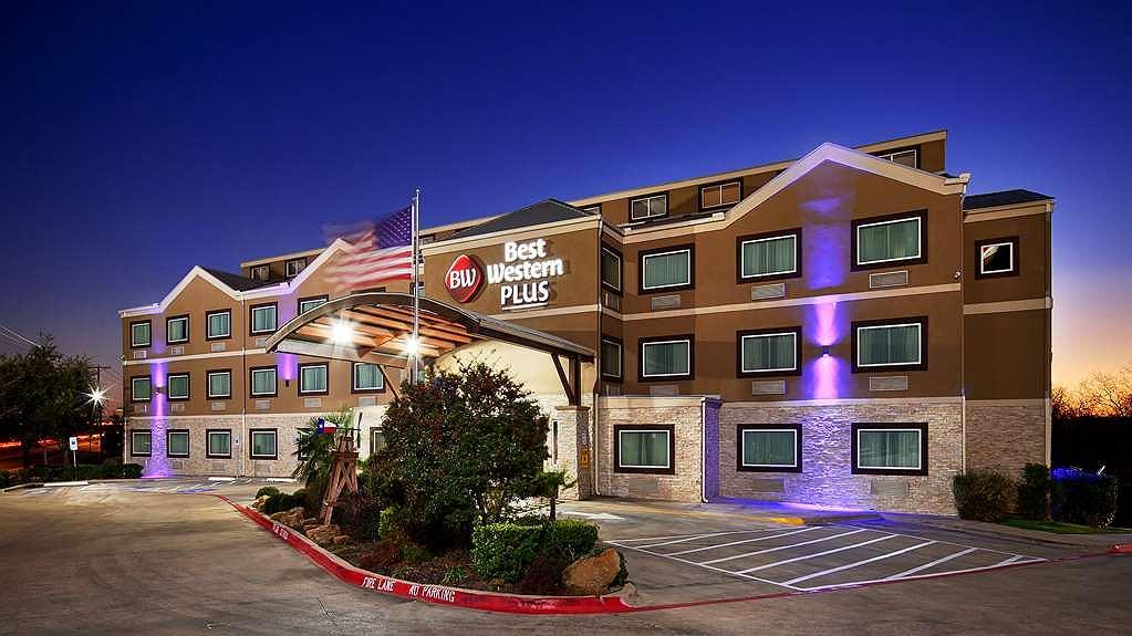 Best Western Plus Arlington North Hotel & Suites - Vista exterior