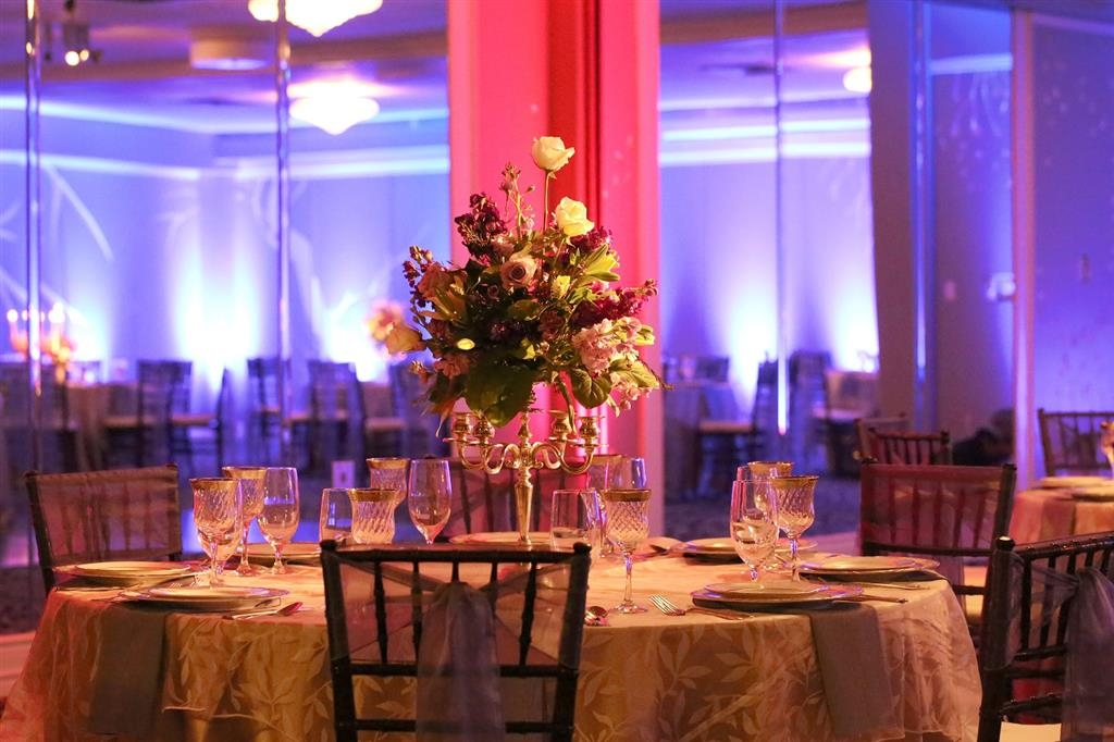 Best Western Plus Austin City Hotel - Our meeting space is perfect for that special wedding occasion.