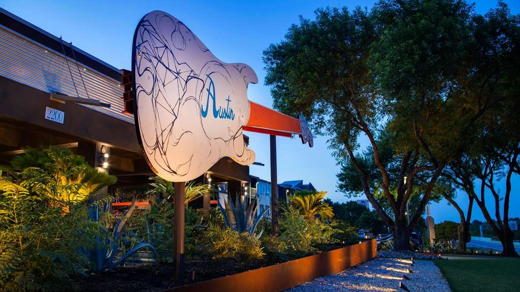 Aiden by Best Western@Austin City Hotel - Façade
