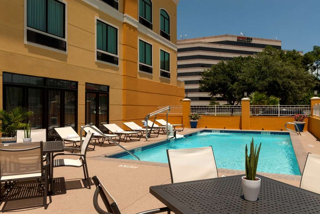 Best Western Plus JFK Inn & Suites - Vista de la piscina