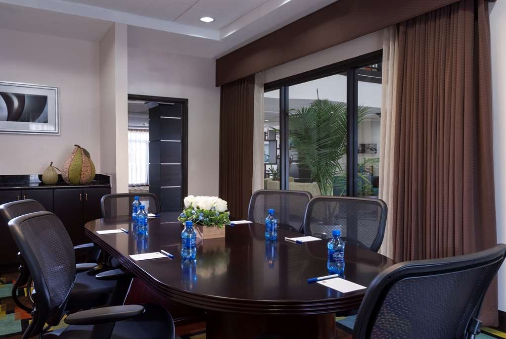 Best Western Plus JFK Inn & Suites - sala de juntas