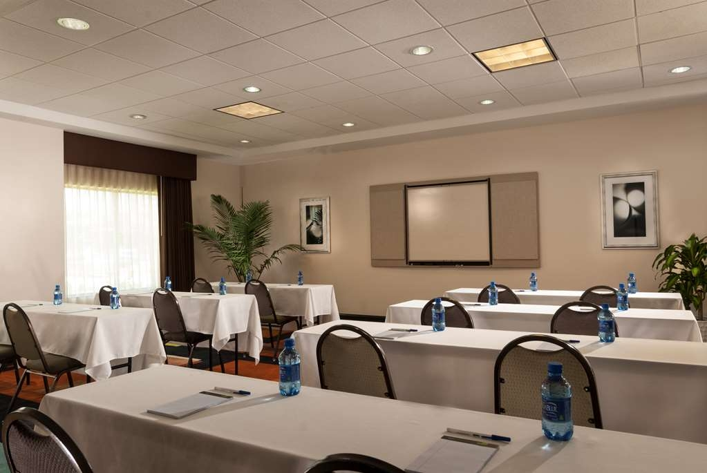 Best Western Plus JFK Inn & Suites - Sala de reuniones