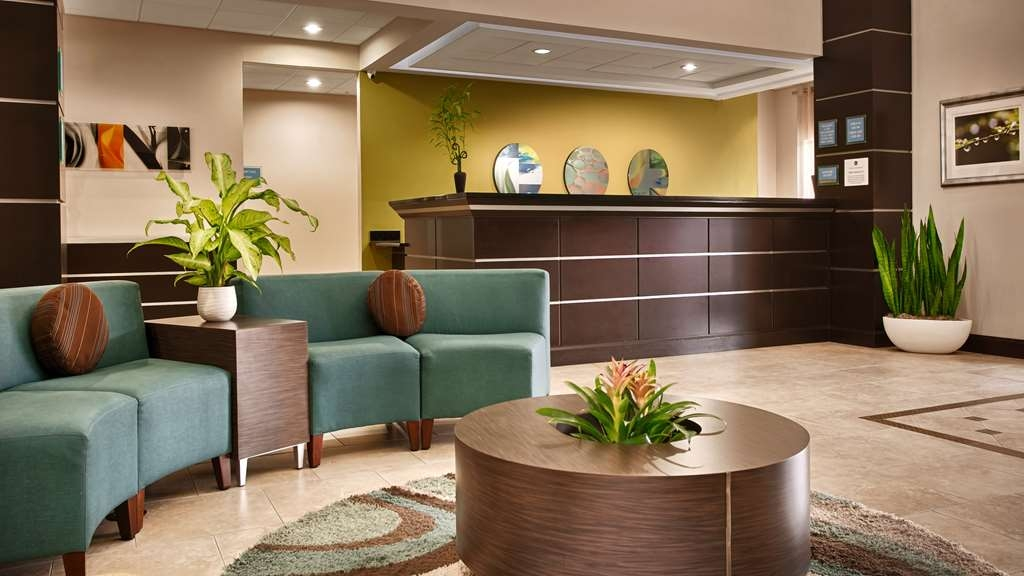 Best Western Plus JFK Inn & Suites - Vista del vestíbulo