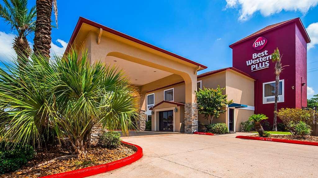 Best Western Plus Orange County - Facciata dell'albergo