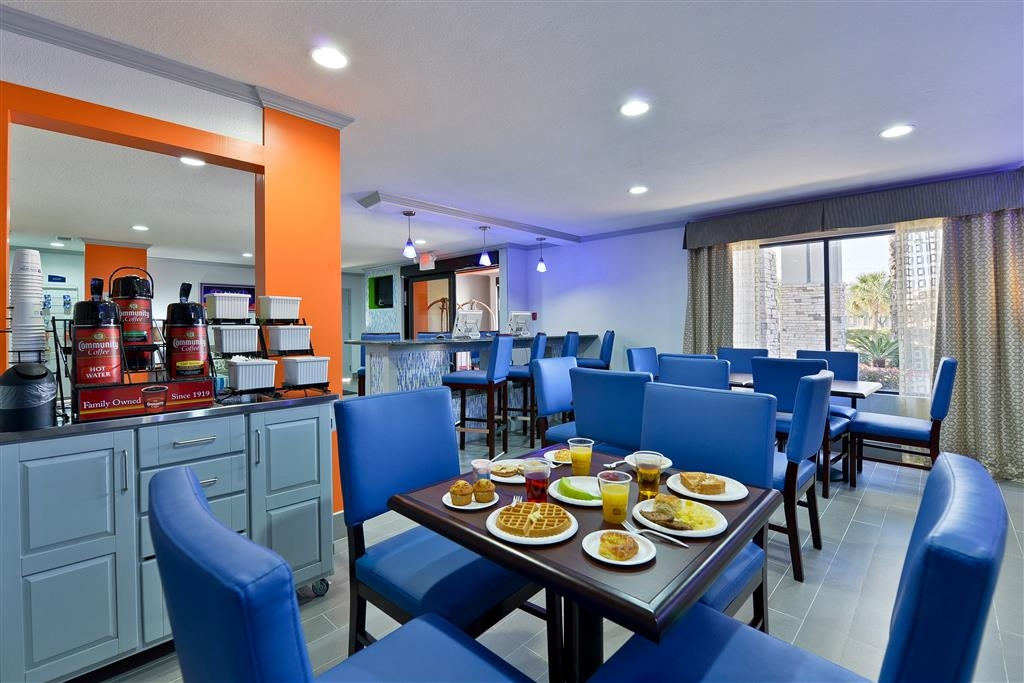 Best Western Plus Orange County - Prima colazione a buffet