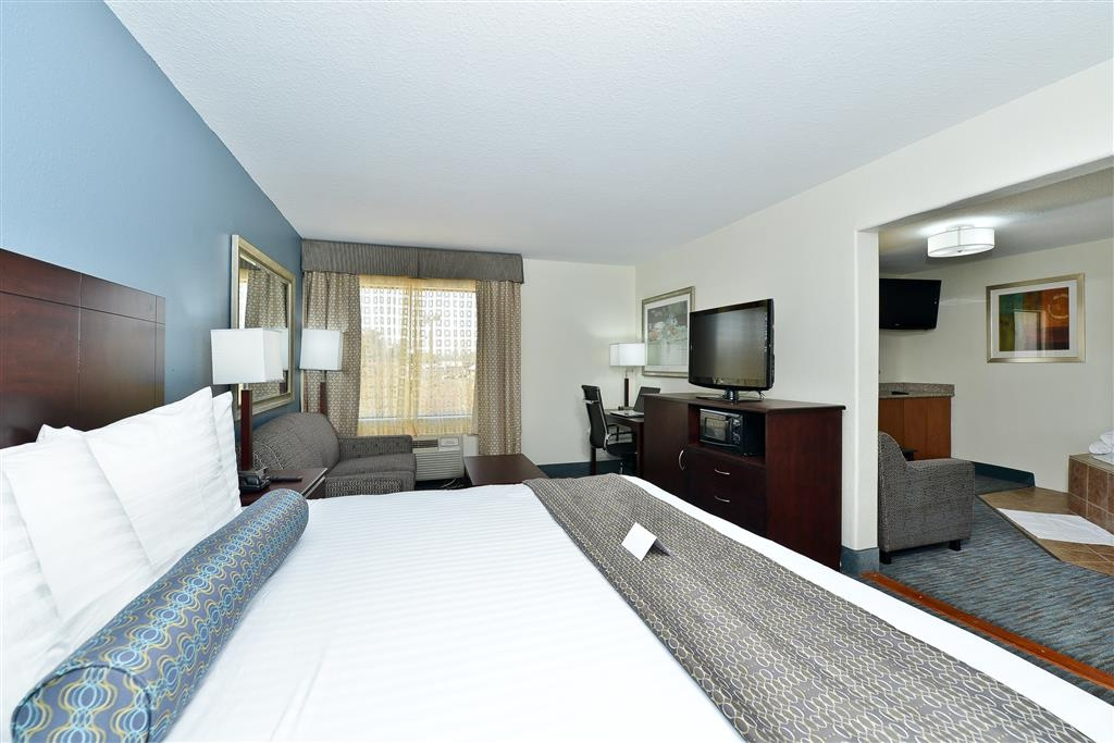 Best Western Plus Orange County - Suite