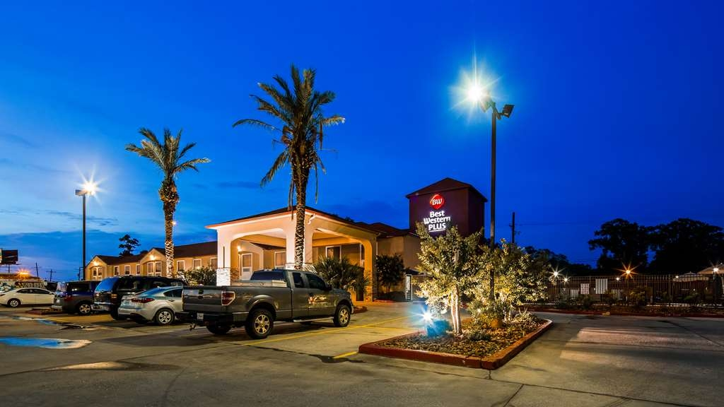 Best Western Plus Orange County - Facciata dell'albergo