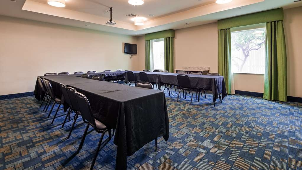 Best Western Plus Carrizo Springs Inn & Suites - Meeting Room