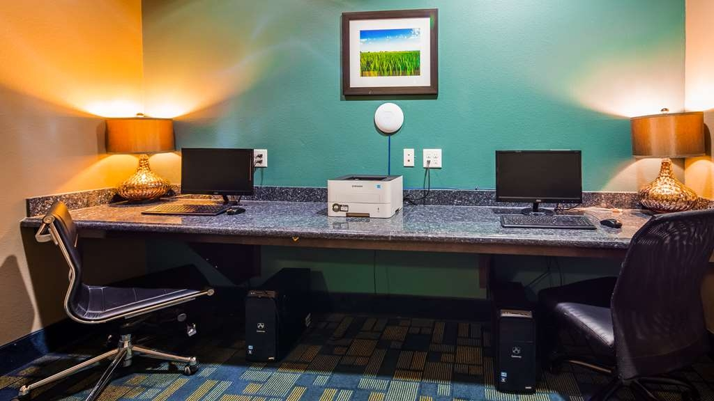 Best Western Plus Carrizo Springs Inn & Suites - Business Center
