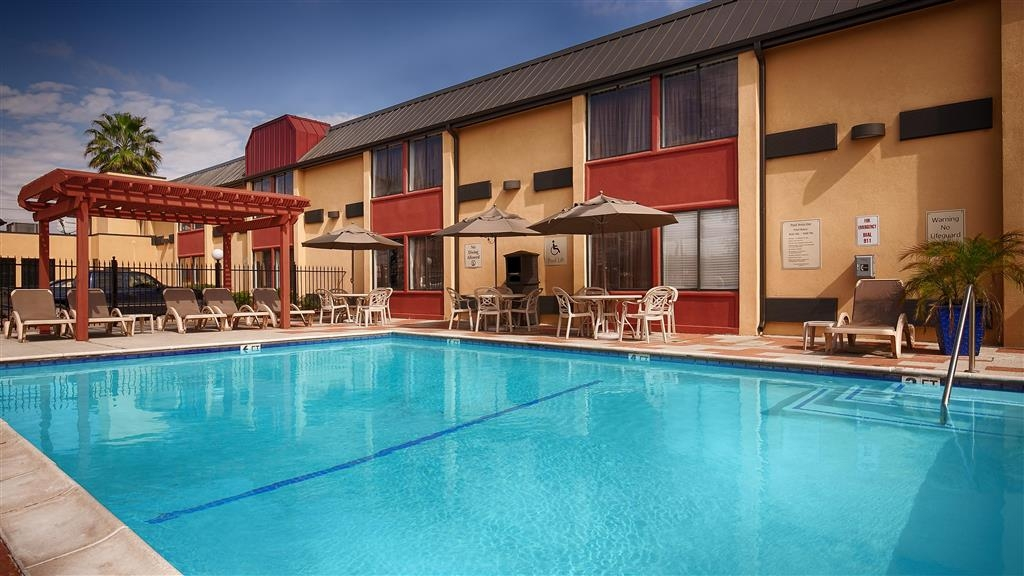 Best Western Webster Hotel, NASA - Piscina
