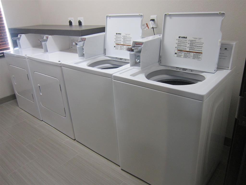Best Western Plus Pleasanton Hotel - Waschmaschinen und Trockner für Gäste
