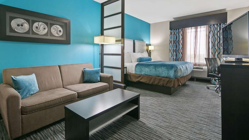 Best Western Plus Pleasanton Hotel - Suite