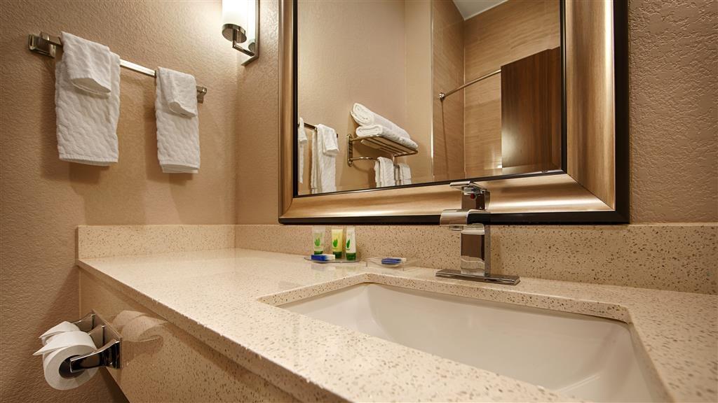 Best Western Plus Pleasanton Hotel - Badezimmer