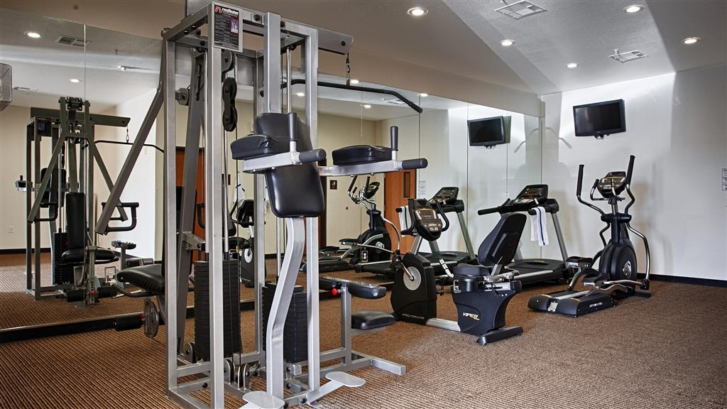 Best Western Czech Inn - Our fitness center allows you to keep up with your home routine even when you're not at home.