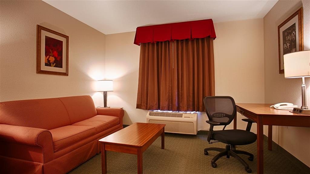 Best Western Czech Inn - We offer a variety of king rooms from standard to mobility accessible to suites.