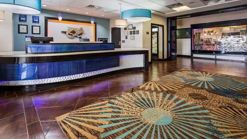 Best Western Plus North Odessa Inn & Suites - Hall