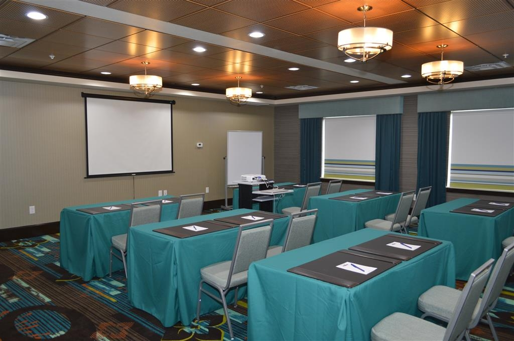 Best Western Premier Ashton Suites-Willowbrook - Our meeting rooms are the ideal setting for corporate events. Call our staff to book today!