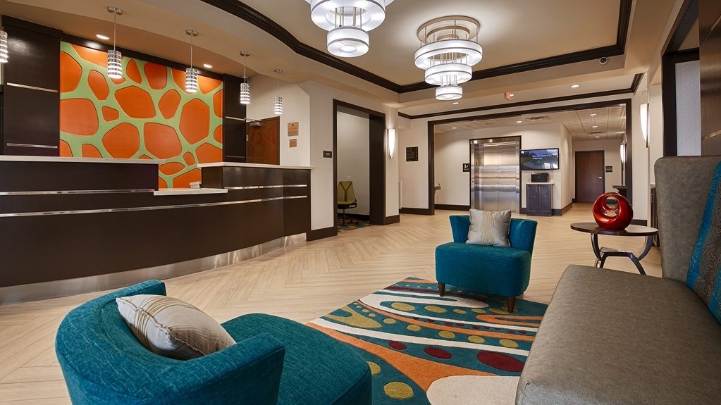 Best Western Premier Ashton Suites-Willowbrook - reception