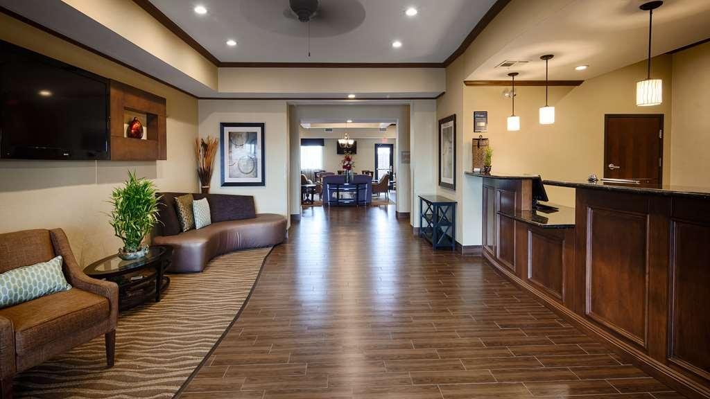Best Western Plus Seminole Hotel & Suites - Foyer