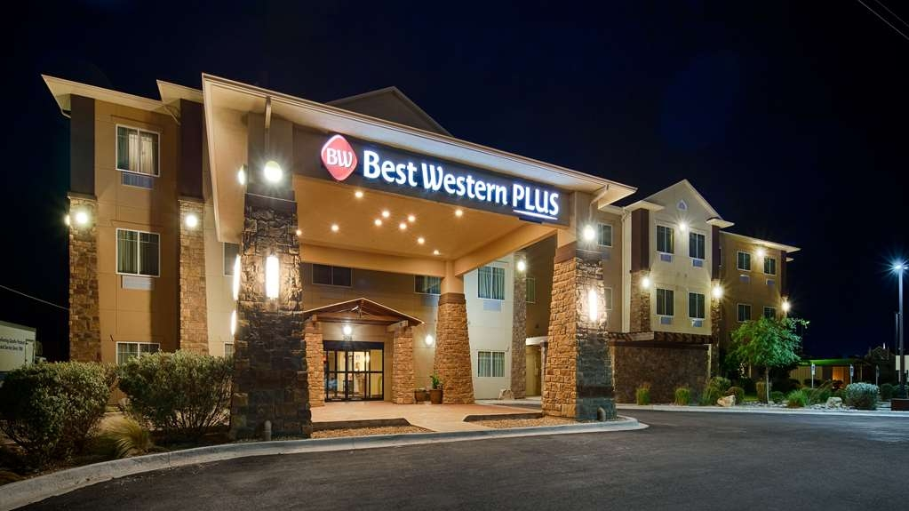 Best Western Plus Seminole Hotel & Suites - Façade