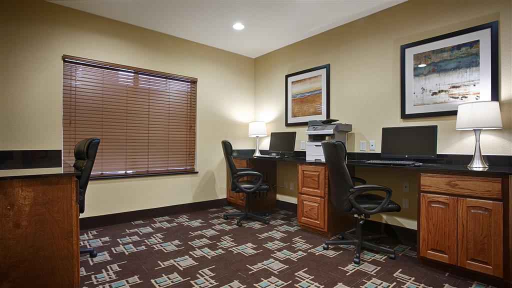 Best Western Plus Fort Worth Forest Hill Inn & Suites - Stay productive during your time away from home in our business center.