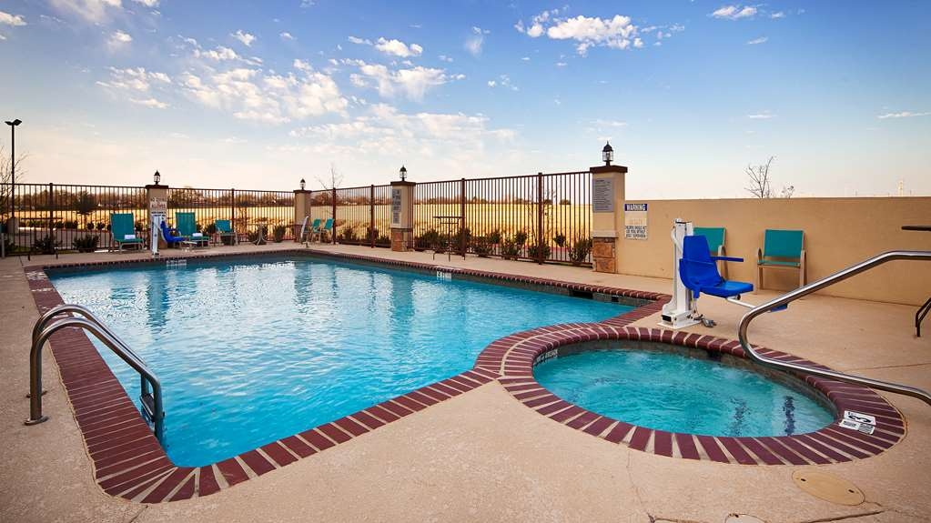 Best Western Plus Fort Worth Forest Hill Inn & Suites - Piscina