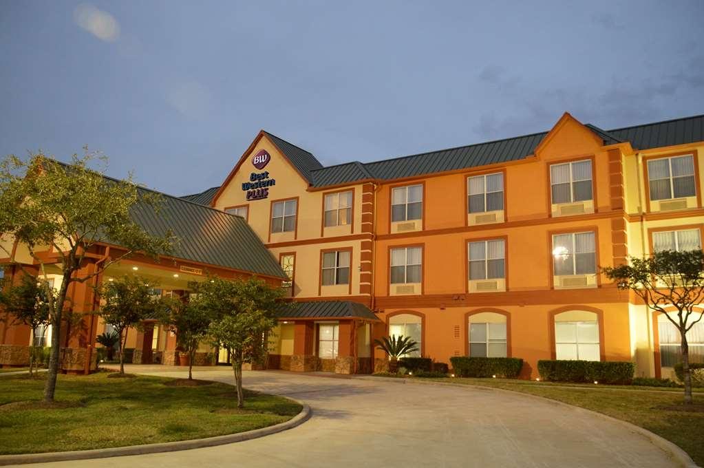 Best Western Plus Hobby Airport Inn & Suites - Facciata dell'albergo