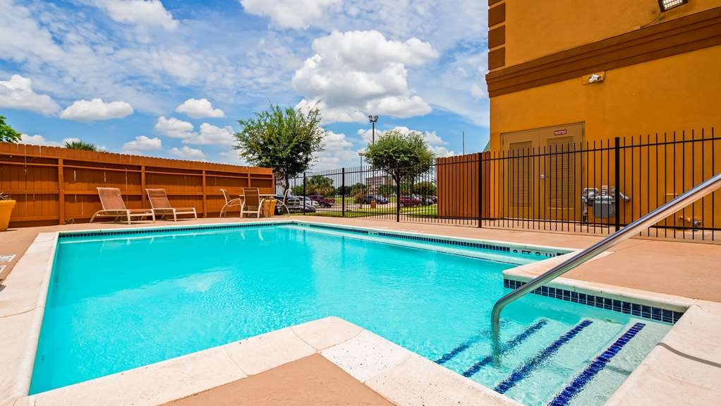 Best Western Plus Hobby Airport Inn & Suites - Vue de la piscine