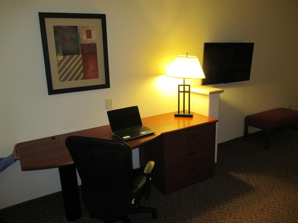 Best Western Plus Waxahachie Inn & Suites - Need to get your work done during your stay with us? We offer free high-speed Internet in every guest room.