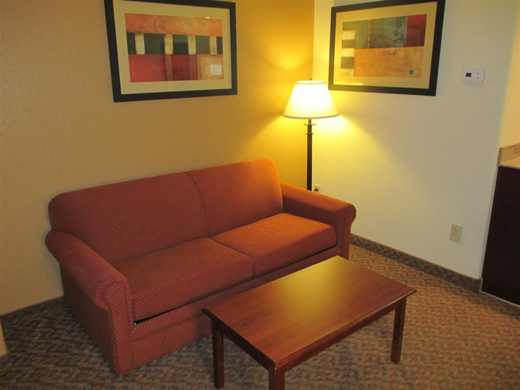 Best Western Plus Waxahachie Inn & Suites - Suite