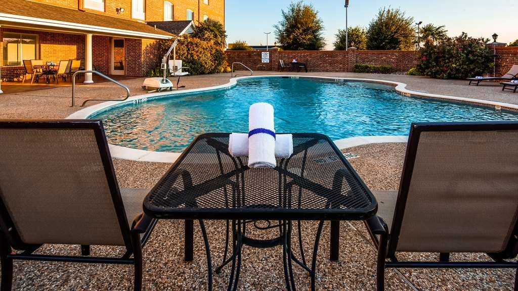 Best Western Plus Waxahachie Inn & Suites - Vue de la piscine
